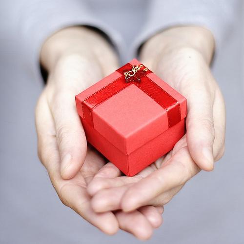 Handing-gift